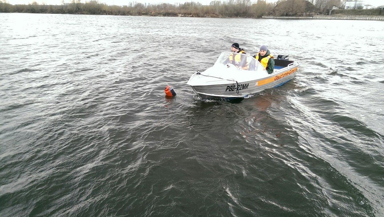 права на моторную лодку катер гидроцикл